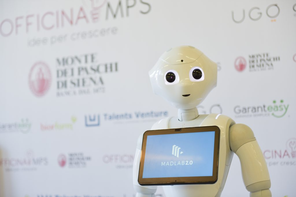officina-mps-celebration-day-robot-pepper-innovazione-events-in-out