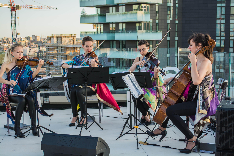 Inaugurazione-the-corner-milano-intrattenimento-quartetto-archi
