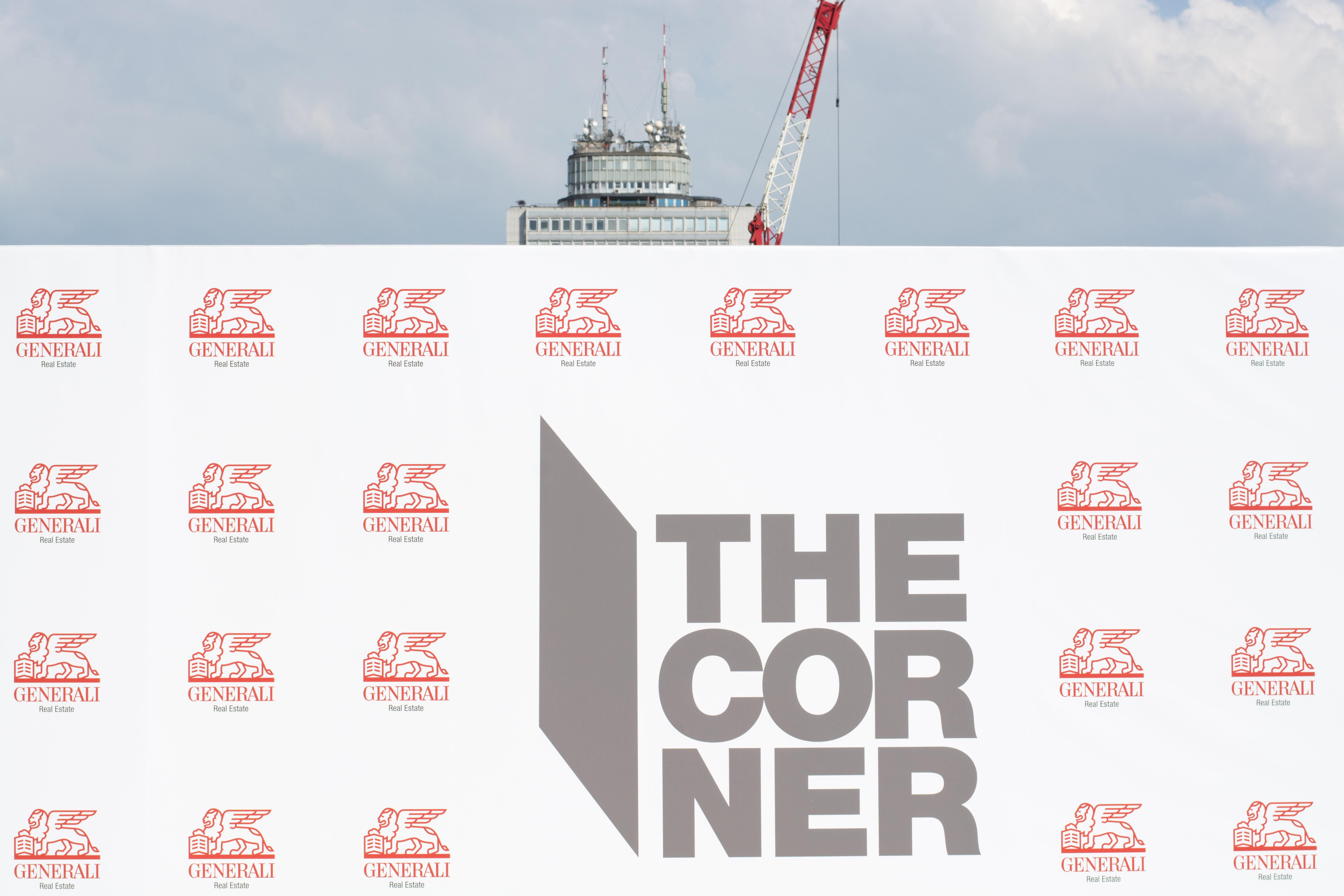 Inaugurazione-the-corner-milano