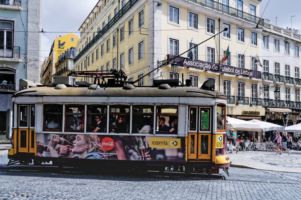incentive-aziendale-lisbona-tram-events-in-out